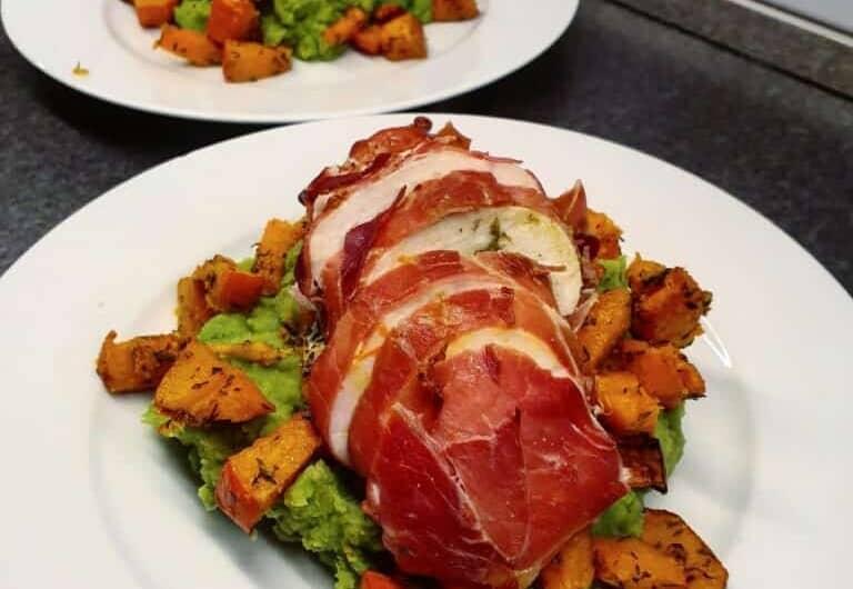 Fyldt kylling med broccolimos og græskar