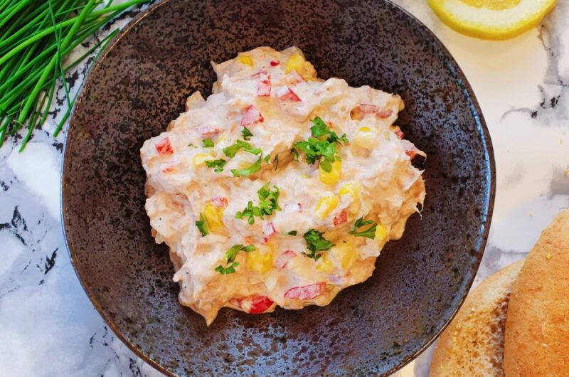 Rugbrød med hjemmelavet tunsalat