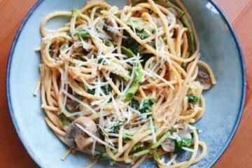 cremet pasta med champignon