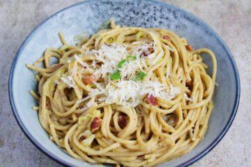 Spaghetti carbonara med kål