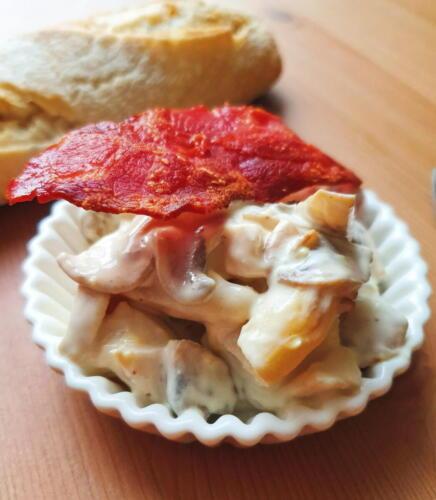 Sundt alternativ till julefrokostbordet: Sund hønsesalat m. kalkunbacon