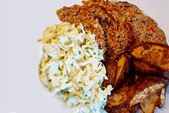 Græsk farsbrød m. spidskålstzaziki og kartoffelbåde