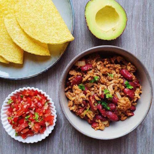 Taco skaller med krydret oksekød og hjemmelavet tomatsalsa